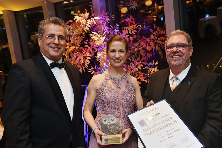 """""""Game-Changer""""-Lehrgang gewinnt Europäischen Preis für Training, Beratung und Coaching in Gold"""