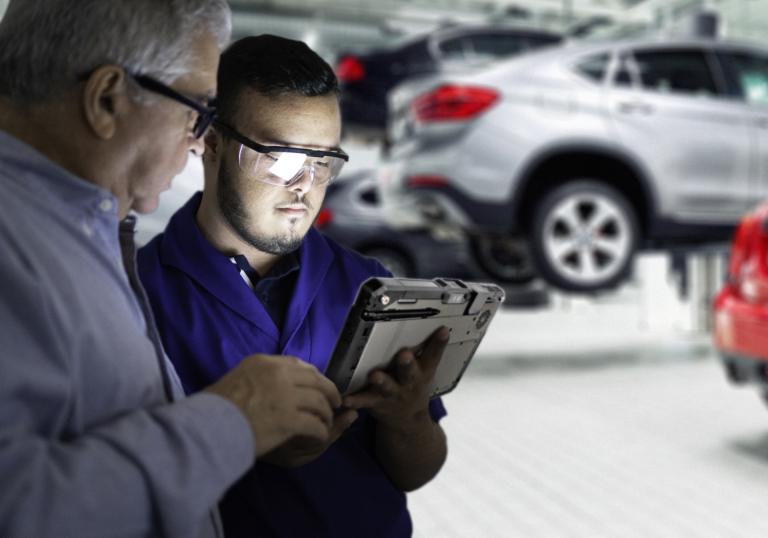 PROZESSOPTIMIERUNG WELTWEIT: DEUTSCHER AUTOMOBILHERSTELLER VERTRAUT AUF ROBUSTE MOBILE GERÄTELÖSUNGEN VON GETAC