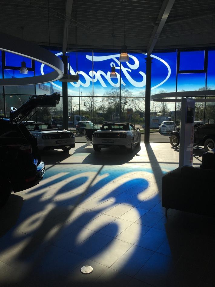 """Ford-Händler öffnen Verkaufsräume und bieten attraktives Finanzierungsangebot: """"Jetzt kaufen, später zahlen"""""""