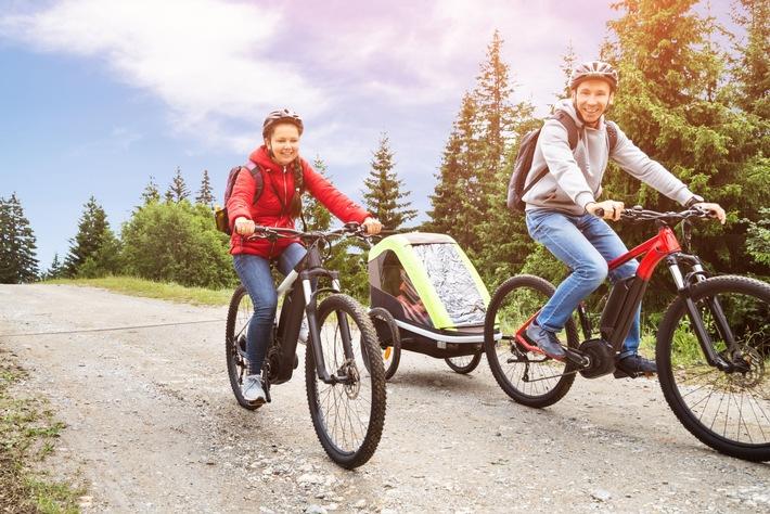 Zahl der Woche / Fahrradmarkt boomt: Zahl der verkauften Elektrofahrräder in Deutschland steigt