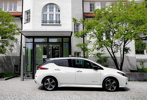 E-Auto ein halbes Jahr ausprobieren – ADAC SE mit Nissan Leaf TEKNA im Portfolio / Sonderkonditionen für ADAC Mitglieder via Halbjahres-Miete und im Leasing