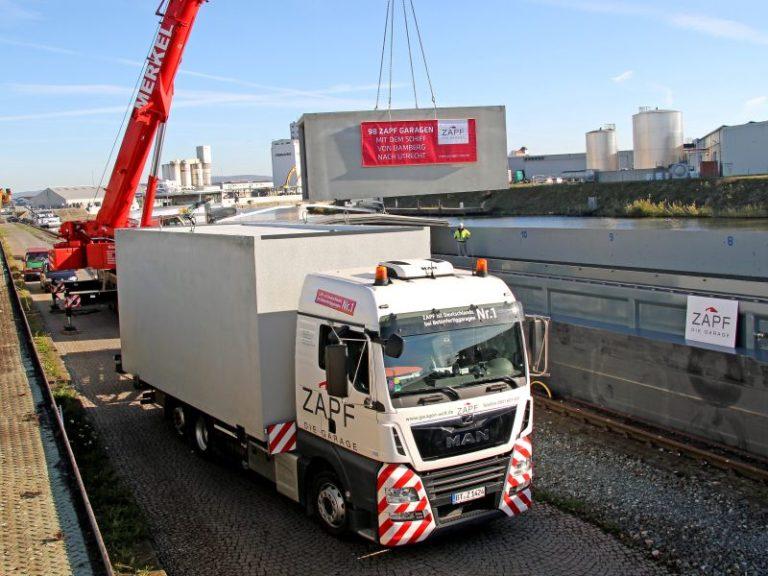 ZAPF Betonfertiggaragen per Schiff in die Niederlande