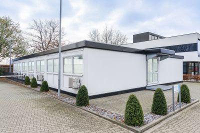 ELA Bürocontainer für wachsendes Unternehmen: Neue Räumlichkeiten für neue Mitarbeiter