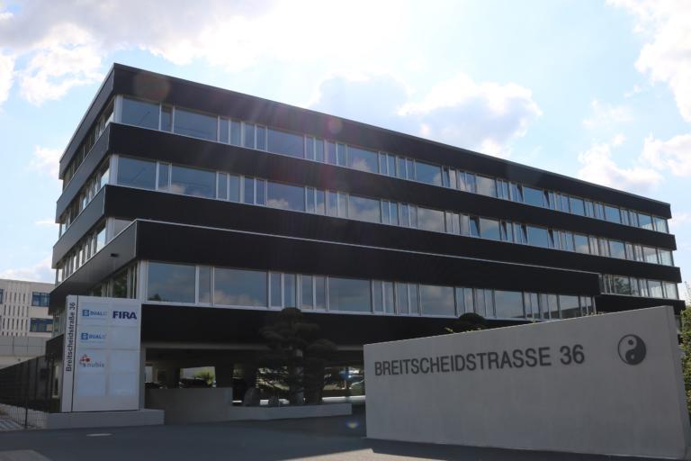 Industrie 4.0 von Sachsen in die Welt: Dresdner Unternehmen DUALIS wächst weiter